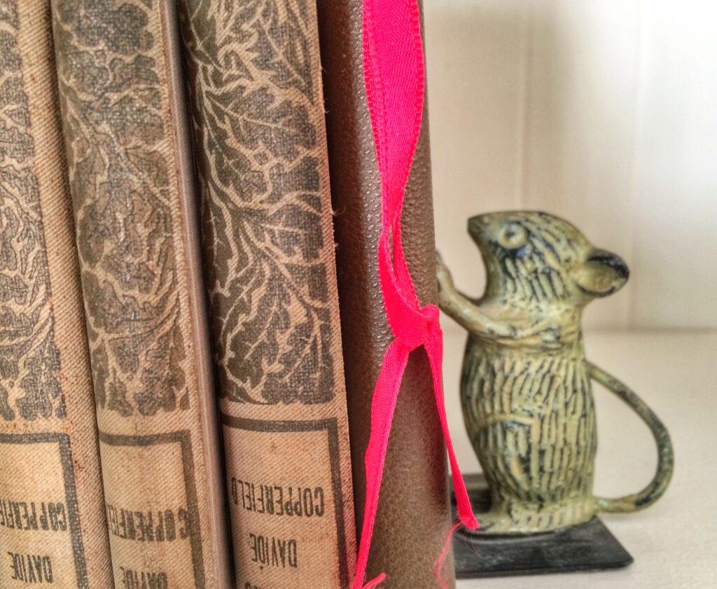 jennifer-louden-book-shelf
